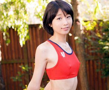 ショートのスポーツ美少女が貧乳乳首を責められドMに悶絶!