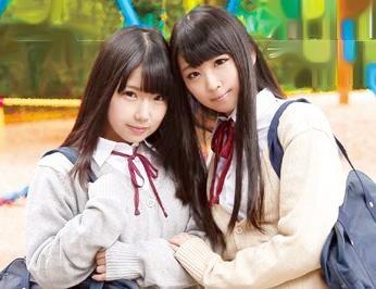 制服美少女2人が誰もいない教室でガチ百合レズクンニで悶絶する