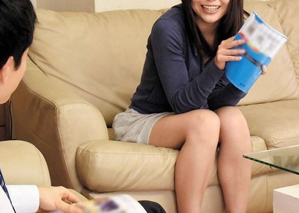 受験勉強で忙しい姉がムラつくマンコを弟に処理させていたら知らない間に生ハメされて勉強そっちのけで悶絶開始