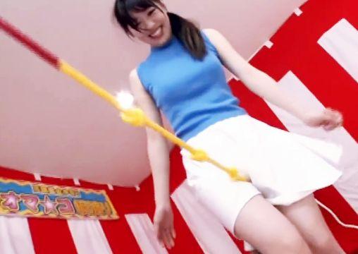 『おまんこコスれるのぉぉぉ♡』素人美女がローション綱渡りにチャレンジ!失敗したら罰ゲームファックで悶絶w