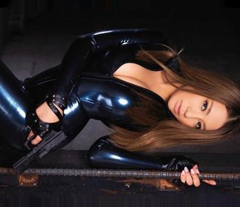 女捜査官が敵組織に乗り込むも捕まって男達に快楽調教されイキまくる