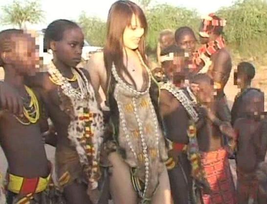 【高城ゆい】美人女優が原住民とアフリカの大地で野外セックス!野性的なメガチンポの中出しファックで悶絶!