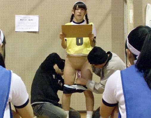 【時間停止】キモおじさんが女子校の体育館でタイムストップ!美少女たちの肉体を好き放題に凌辱レイプ!