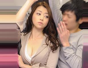 満員電車で巨乳OLに痴漢したら相手は痴女!発情して逆に襲われ駅のトイレで即ハメセックス!