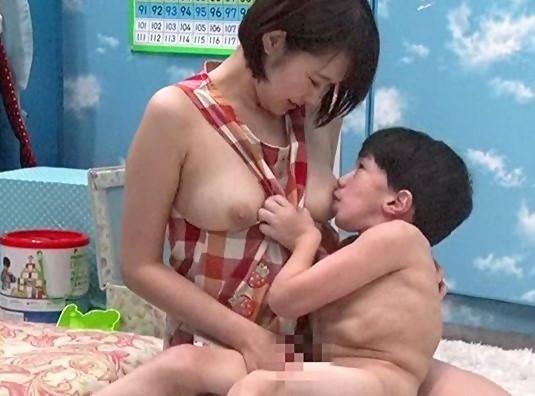 《MM号》保母志望の美人JDにミニおじさん興奮!母性溢れる巨乳ボディに全力でイタズラしまくる!
