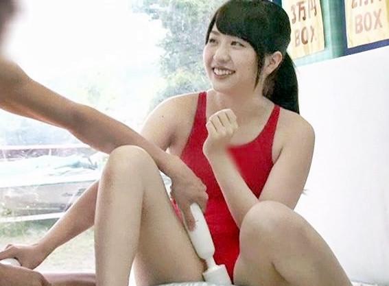 《MM号》水泳部の女子大生が男友達と相互オナニー!勃起チンポを目の前に欲情を抑えきれず・・・
