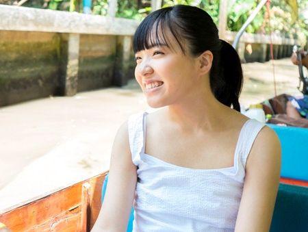 【アジア美少女】童顔小柄で笑顔がかわいいタイ人娘!日本人のチンポをパイパンマンコに挿入してハメ撮りセックス!