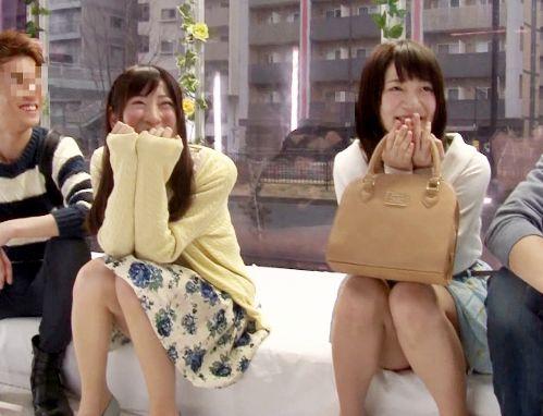 《MM号》大学生カップル2組で初めてのスワッピング体験!友達同士で相手を取り換えて乱交セックス開始ww
