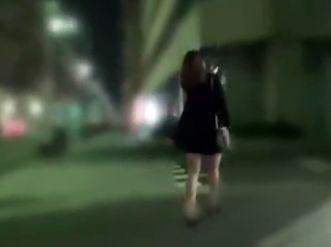 夜道を急ぐお姉さんを無理やり拉致!部屋へ連れ込み情け無用でチンポをねじ込み性処理ファック!