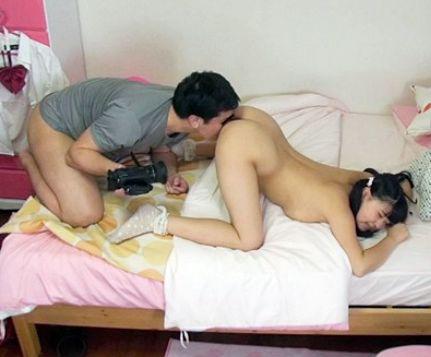 《隠し撮り》むちむちデカパイ女子生徒に家庭教師の男がイタズラ。部屋にこっそりカメラを仕掛けて犯しまくる