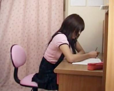 《隠し撮り》あどけない巨乳少女に手を出す変態家庭教師。2人っきりの密室で無理やり犯して歪んだ性欲を満たす