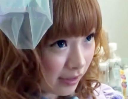 某カリスマモデルそっくりのエロカワギャルが乱交SEX!新曲MV撮影でチンポに囲まれてザーメンぶっかけ♡