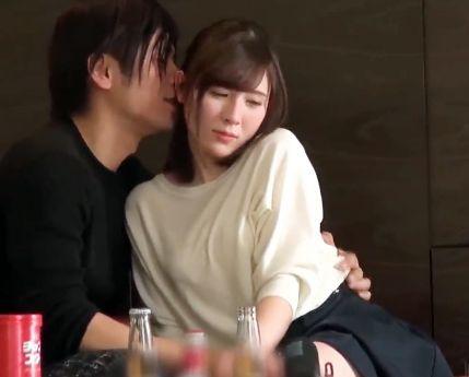 31歳の元女子アナ美人奥さん。ほろ酔いで頬を赤らめながらイケメンに完堕ちして即ハメ不倫SEX