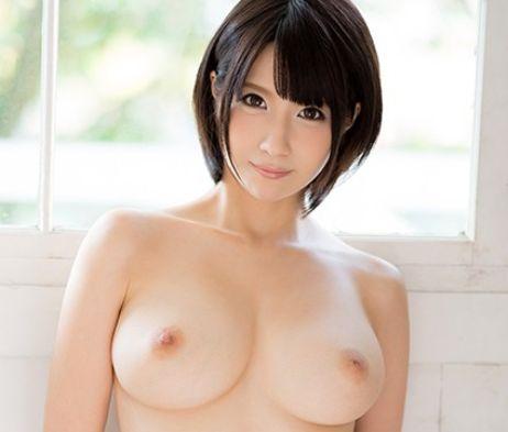 ★鷹宮ゆい★ショートカットの美巨乳セクシー女優が鬼ピストンで悶絶♡S級ボディが激しいSEXでイキまくる!