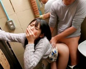 ★さくらゆら★セクシー女優が必死に声我慢しながらAV撮影wwバス車内や喫茶店のトイレでバレないようにイキまくる
