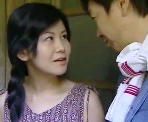 セックスが好き過ぎるヤリマン奥さんが妹の旦那を誘って夫に内緒でめちゃくちゃ不倫する
