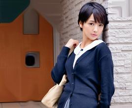 <向井藍>ショートカットがかわいいセクシー女優さん。素人男性のお宅を訪ねて貸し切りデリバリーSEX