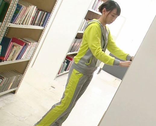巨乳エロ尻の司書お姉さんが図書館内で犯される・・・ジャージをひん剥かれ強引にパコパコされて全裸でイキまくる
