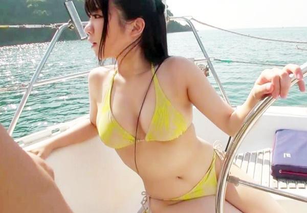 クルージング中の船上で合コンパーティー開催wwビキニ巨乳JD4人との乱交プレイから陸に上がって即ハメSEX♡