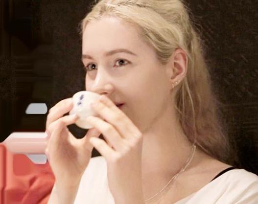 24歳のロシア人お姉さんは日本のアダルトグッズに興味津々♡ナンパして和室へ連れ込み色白美肌の絶品ボディと即ハメ国際交流ww